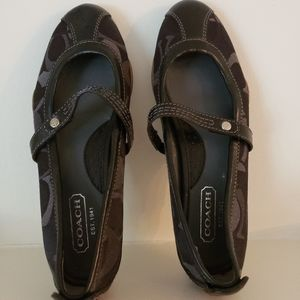 Coach Black Flats SZ 5 M with Coach Design Leather